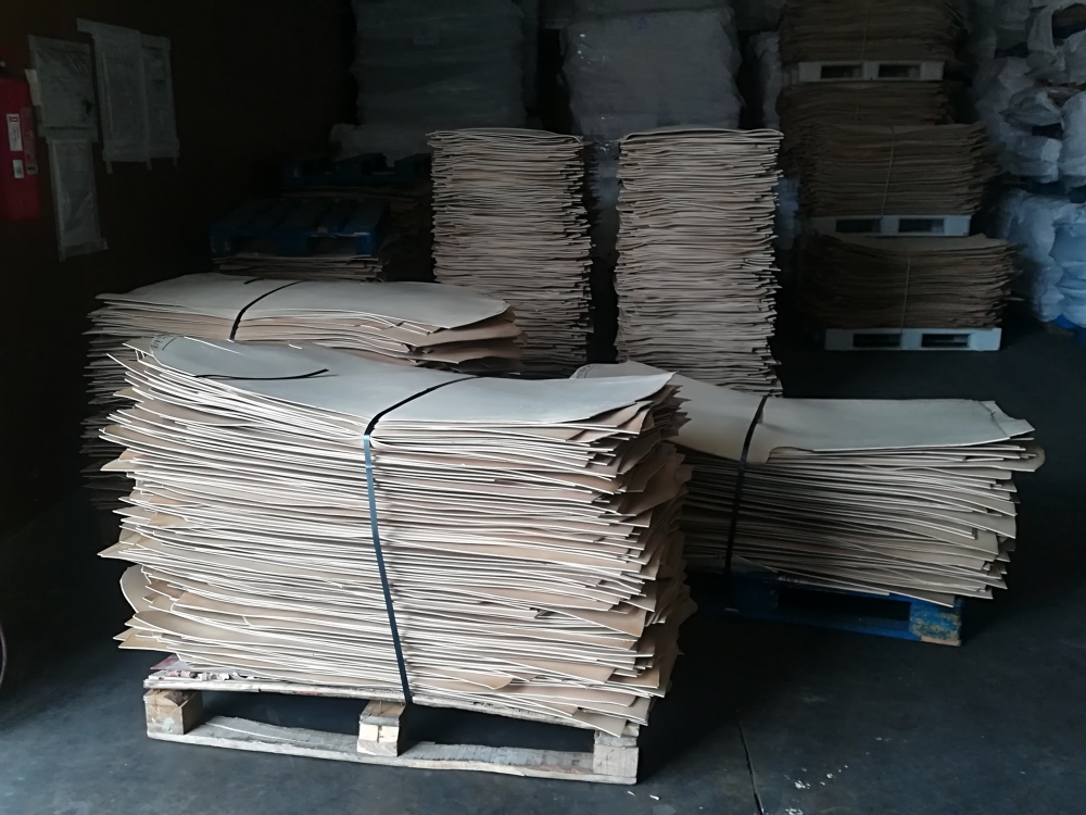 Leather bends on pallets
